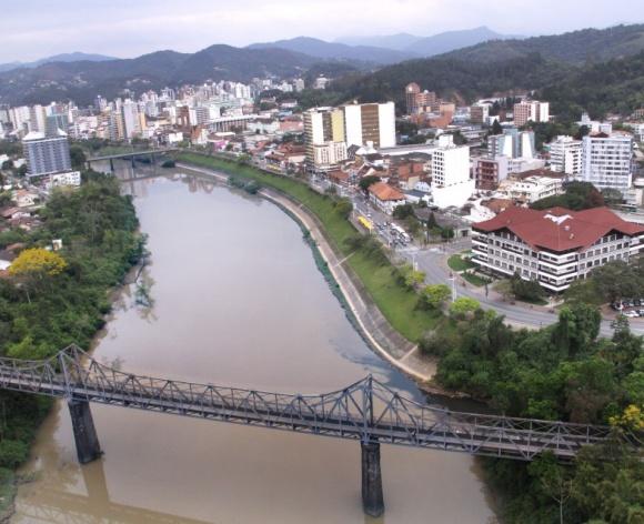 Rio Itajai Açu